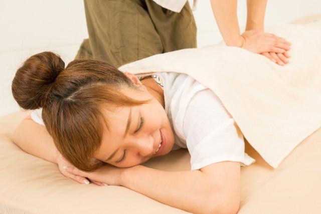 大久保接骨院では根本的治癒を目指しています。もしあなたが背中の痛みでお困りならぜひ一度当院へお越しください。