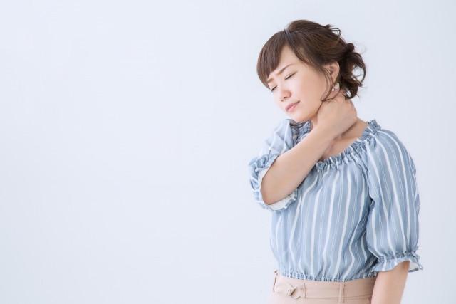 寝違えはほっておくと痛みが慢性化したり、一度よくなっても繰り返し起きてしまうことがあるので注意が必要です。